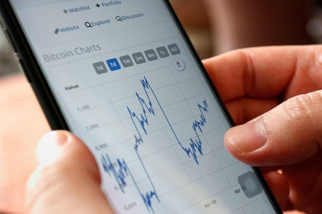 STOR I NORGE: Ifølge Nordea var det i fjor opptil 1400 transaksjoner i måneden gjennom kontoen til bitcoinhandleren Sturle Sunde, skriver Dagens Næringsliv. Illustrasjonsbilde.