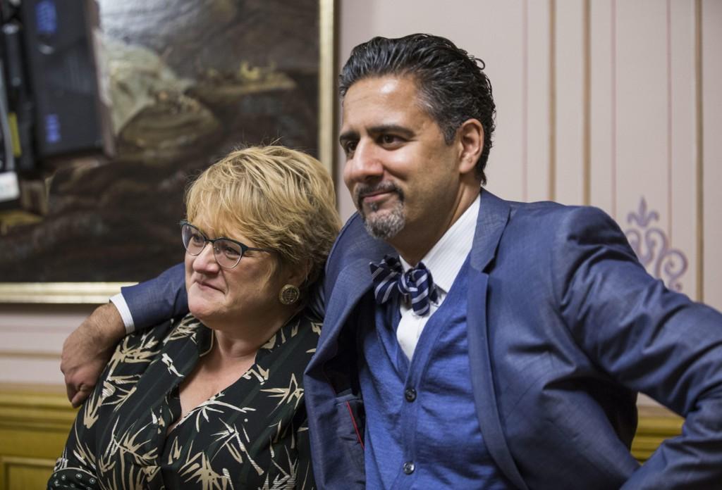 Abid Raja angrer på utspillet i helgen og sier oppfordringen til Venstre-leder Trine Skei Grande om å snakke ut, burde ha blitt holdt internt. Her er de to avbildet ved en tidligere anledning. Foto: Mariam Butt / NTB scanpix