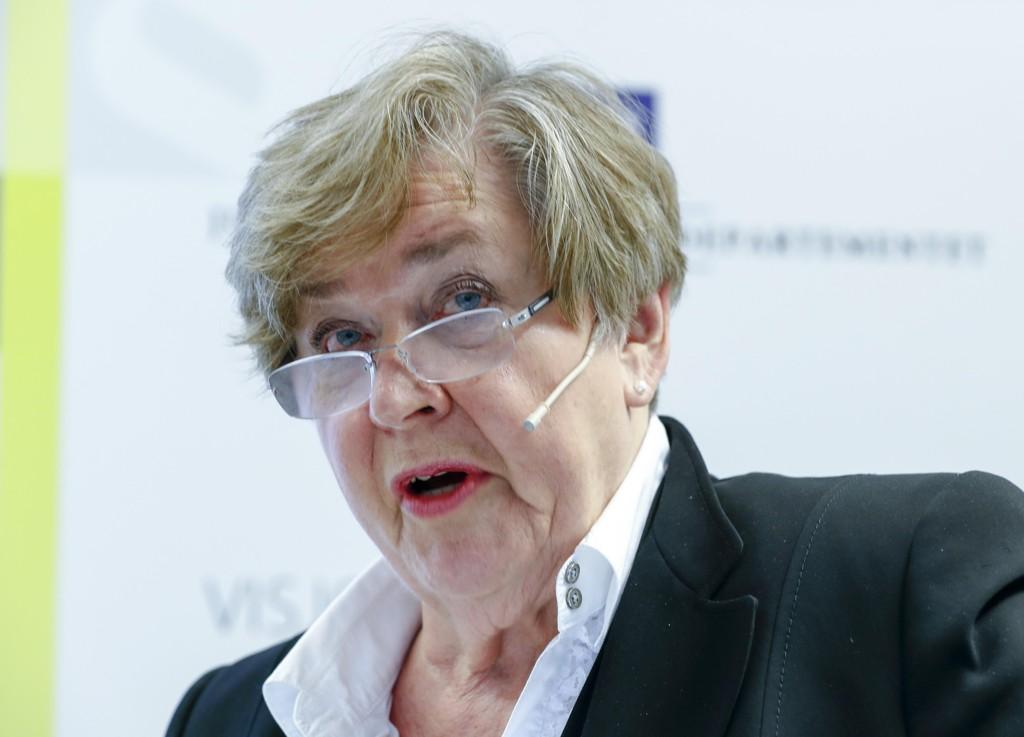 Anne Kari Lande Hasle sier det er feil at skattepengene skal brukes på politikere og byråkrater som leker journalister i sosiale medier. Foto: Terje Pedersen / NTB scanpix