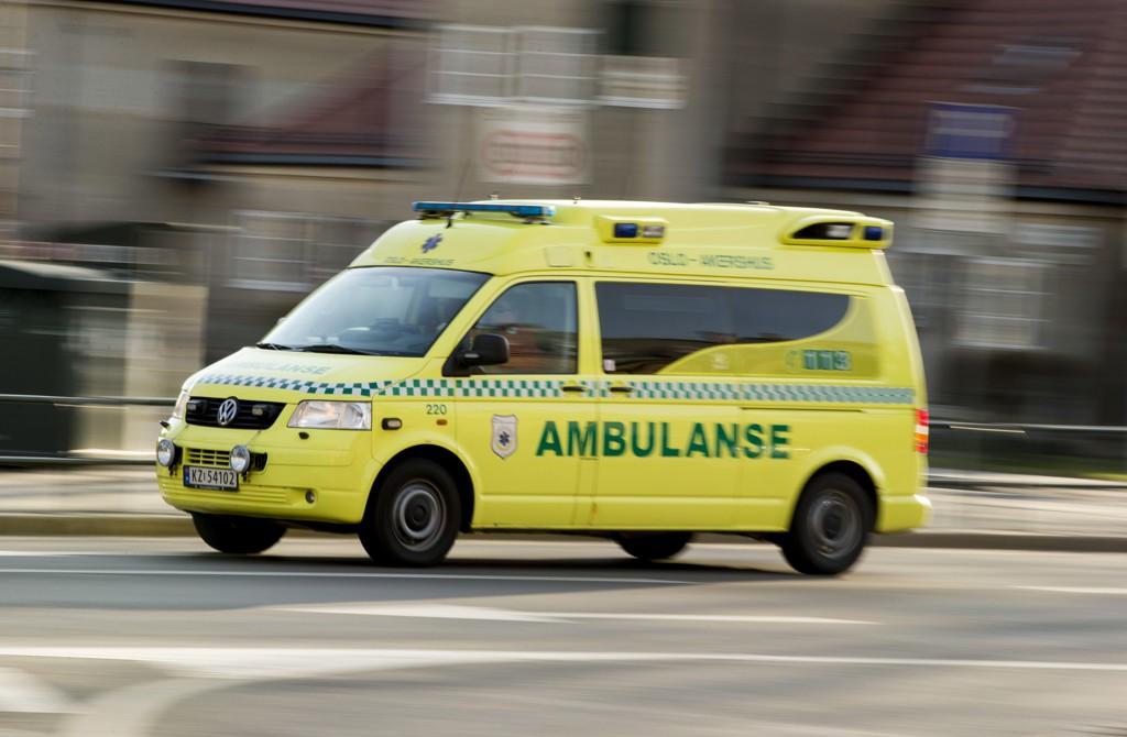 En motorsykkelfører er kjørt til Ullevål sykehus i Oslo med skader etter en ulykke med en personbil i Vestby mandag ettermiddag. Illustrasjonsfoto: Vegard Wivestad Grøtt / NTB scanpix
