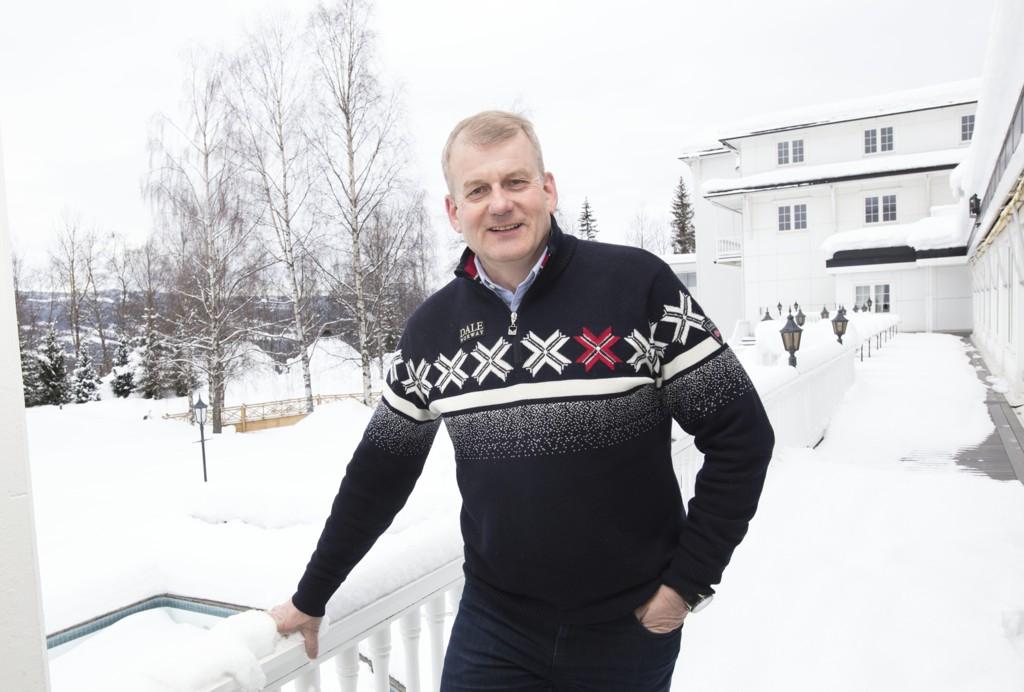 Skipresident i Norges Skiforbund Erik Røste fotografert på Scandic Lillehammer Hotel under Raw Air i vinter. Foto: Geir Olsen / NTB scanpix.
