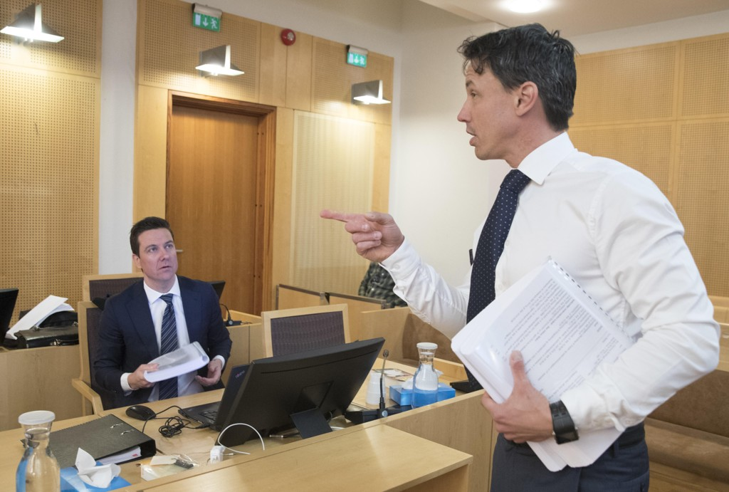 Aktor, statsadvokat Alvar Randa og en av de tre forsvarerne, advokat Øyvind Bratlien, i rettssalen tirsdag der Ammerud-drapet behandles. Foto: Berit Roald / NTB scanpix