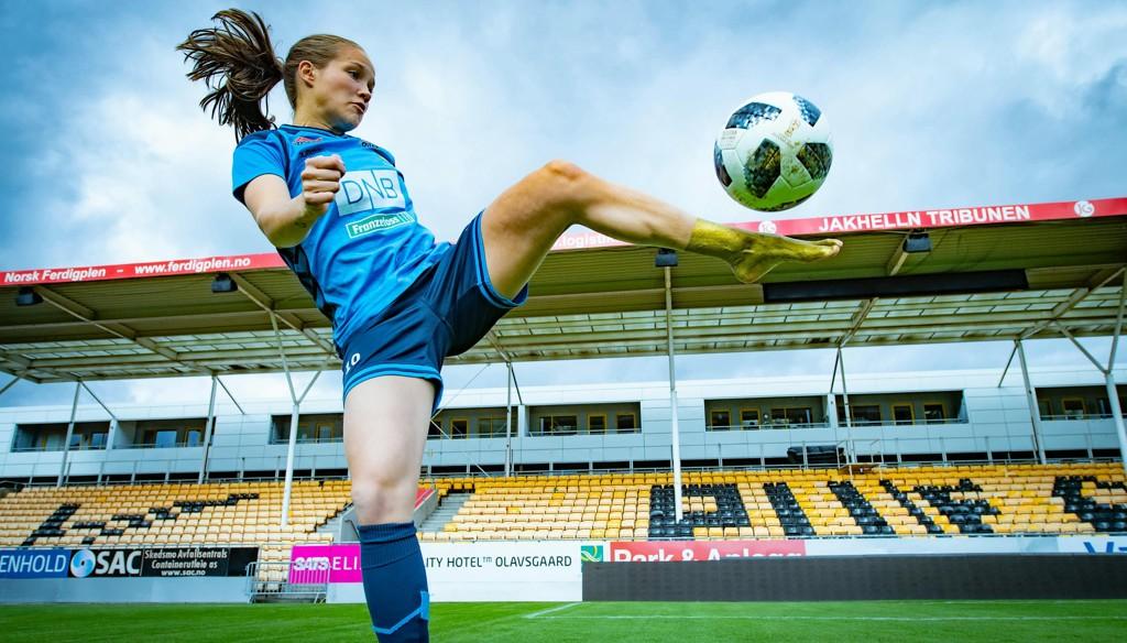 MYE VERDT: Venstrefoten til Guro Reiten har tatt henne langt. I «Det store intervjuet» blir du bedre kjent med fotballsensasjonen fra Sunndal.