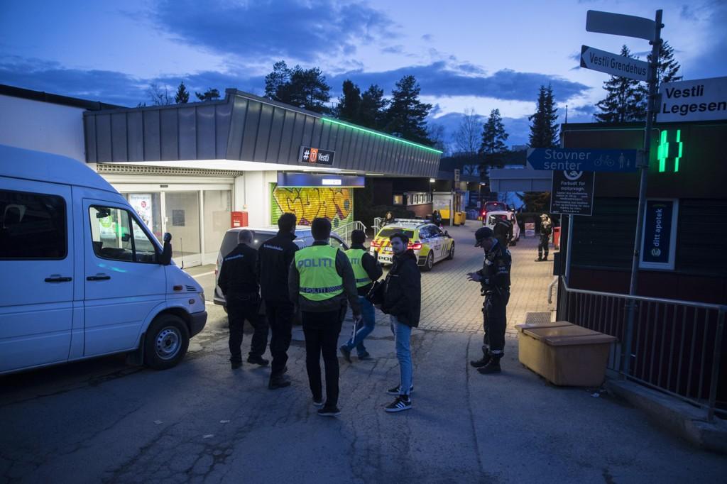 SKYTING: Politiet rykket ut til Vestli i Groruddalen lørdag kveld etter meldinger om skyting og bråk mellom ungdommer.