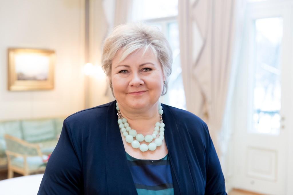 Statsminister Erna Solberg (H) kan glede seg over rekordmåling blant norske studenter.