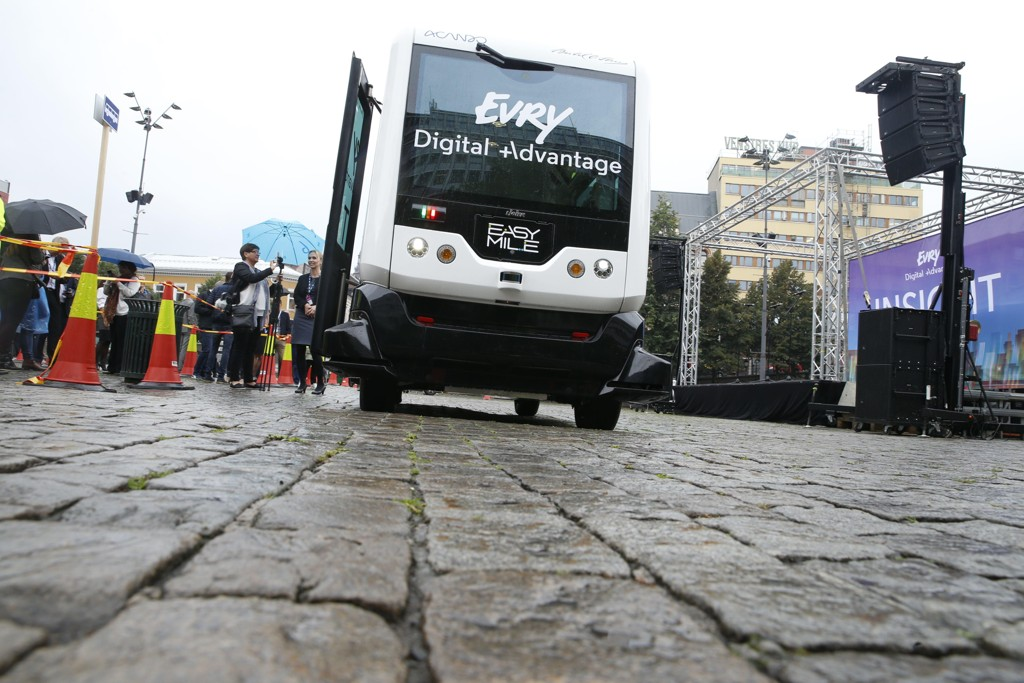 Det er en buss av denne typen – Easy Mile – som skal trafikkere strekningen. Foto: Terje Pedersen / NTB scanpix.