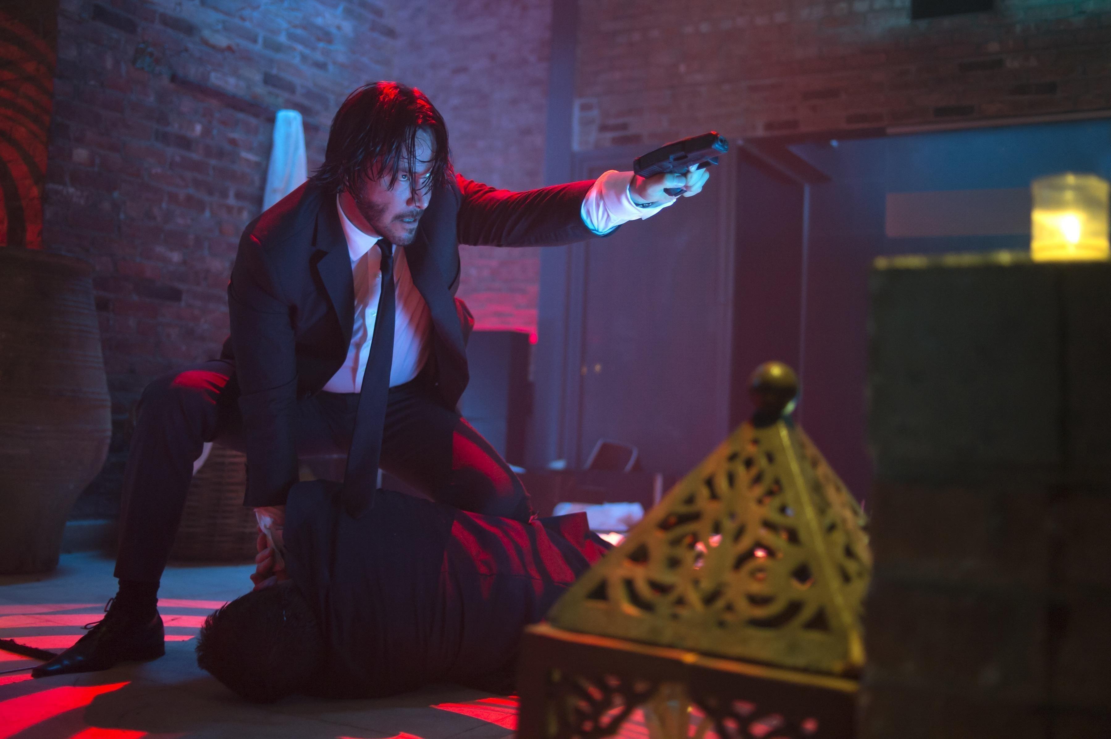 KNALLHARD ACTION: Keanu Reeves spiller den pensjonerte leiemorderen John Wick i den første filmen med samme navn. Det er en av de bedre filmene tilgjengelig på HBO Nordic.