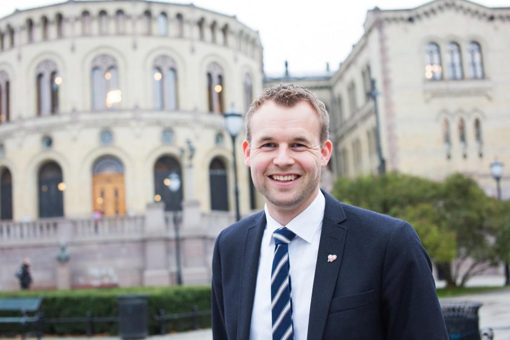 SUKKER-ENDRING: KrFs finanspolitiske talsperson, Kjell Ingolf Ropstad, ber regjeringen utrede endringer av sukkeravgiften i forbindelse med revidert nasjonalbudsjett.