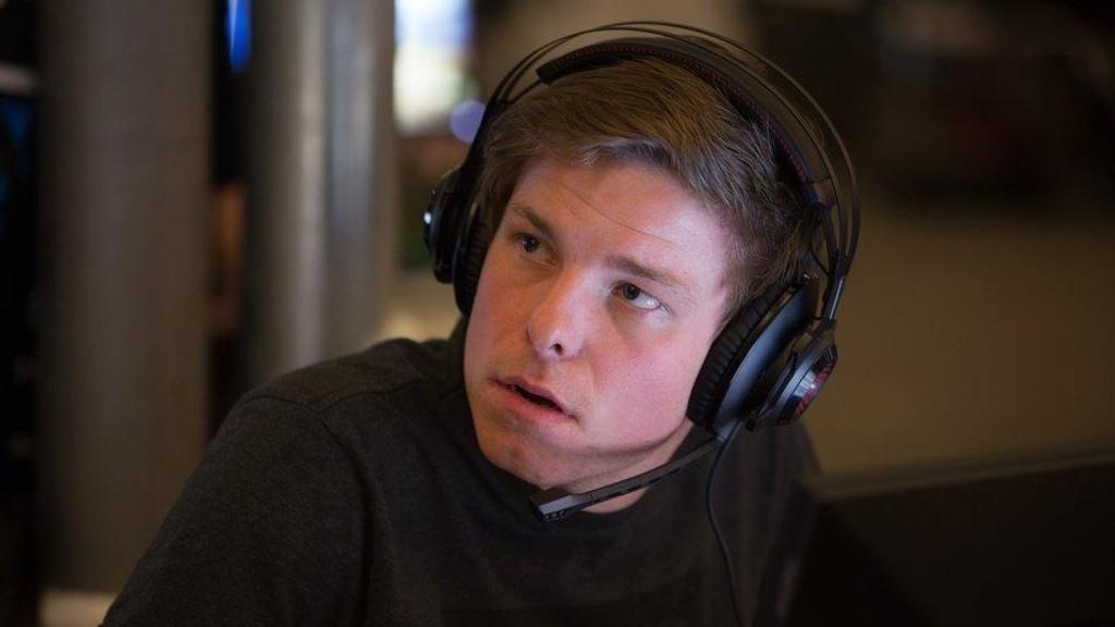 EKSPERT: Tommy «TommyM» Monsen er ekspertkommentator i Telenorligaens Counter-Strike-sendinger.