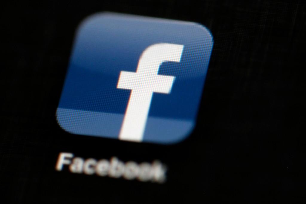 Facebook etterforsker misbruk av privat data og har i den forbindelse blokkert om lag 200 applikasjoner. Foto: AP / NTB scanpix