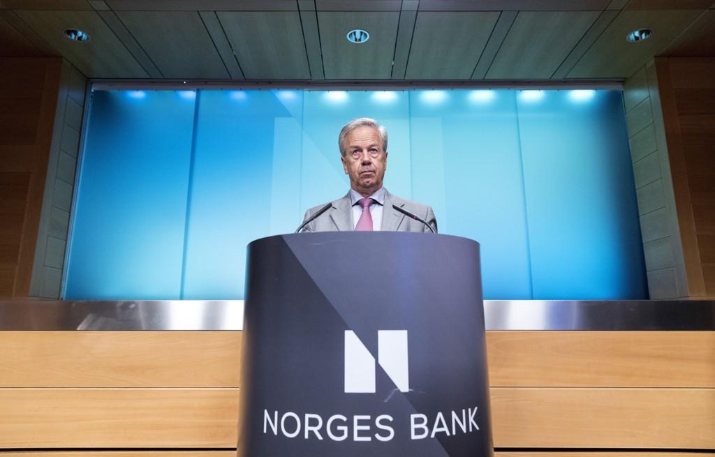 Sentralbanksjef Øystein Olsen kan komme til å sette opp styringsrenta allerede i desember, ifølge flere økonomer. Tirsdag ble det klart at veksten i Fastlands-BNP var sterkere enn det flere analytikere anslo på forhånd. Foto: Gorm Kallestad / NTB scanpix