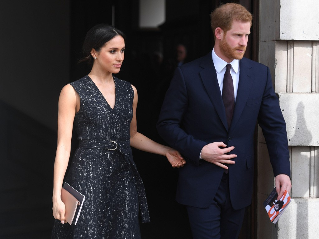 Meghan Markles far skulle føre datteren til alters under lørdagens kongelige bryllup, men skal nå likevel ikke delta i bryllupsseremonien.