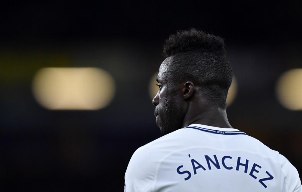FORLENGER: Davinson Sanchez har signert en ny kontrakt med Tottenham.