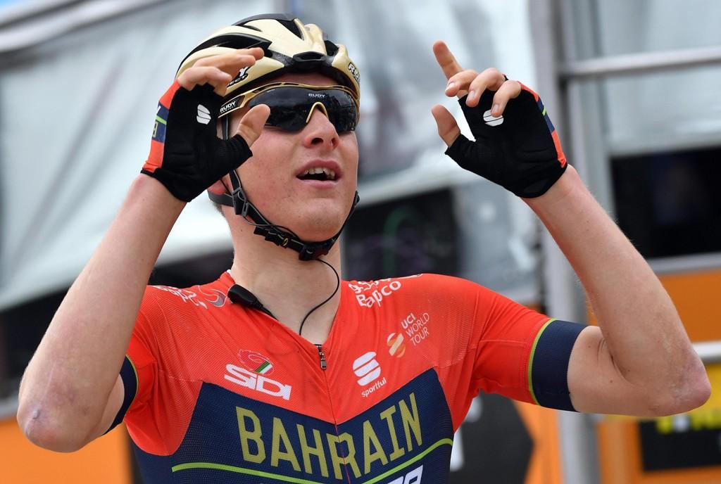 Slovenske Matej Mohoric vant tirsdagens etappe i Giro d'Italia. Foto: Daniel Dal Zennaro/ANSA via AP / NTB scanpix