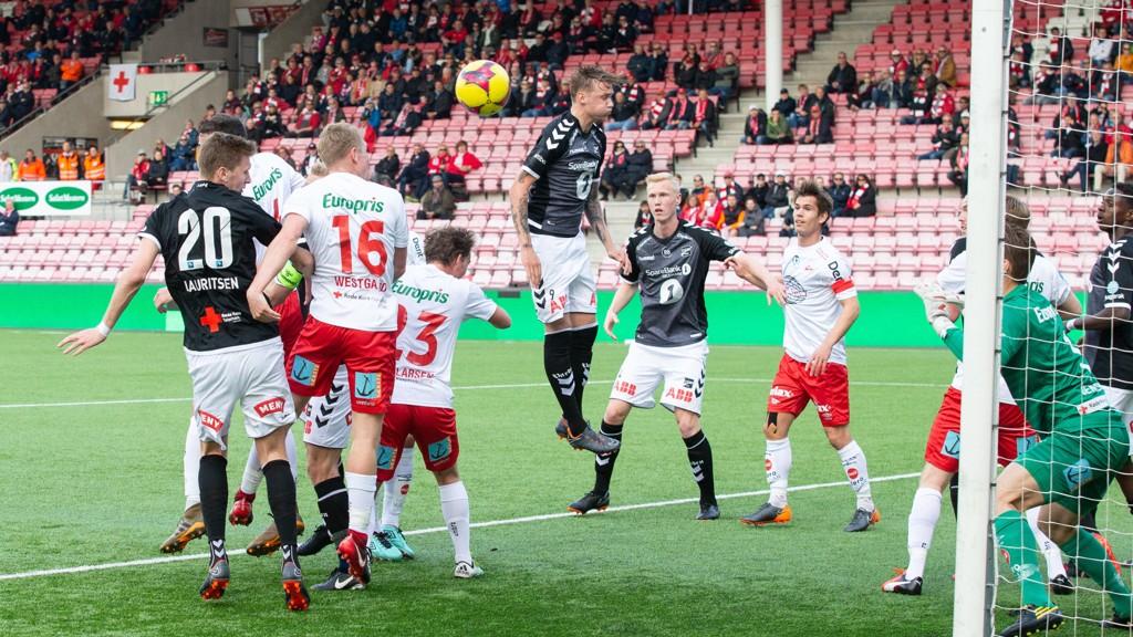 Bilder fra 2. runde i cupen der Fredrikstad tok imot Odd og Eliteserielaget vant 3-1.