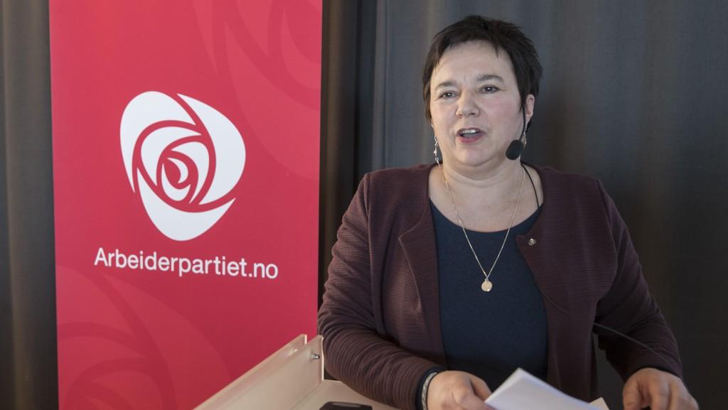 – Vi har et resultat, og det er godt, det er veldig godt, fastslo fylkesordfører Ragnhild Vassvik da hun la fram resultatet av folkeavstemningen om sammenslåingen av Troms og Finnmark. Foto: Vidar Ruud / NTB scanpix