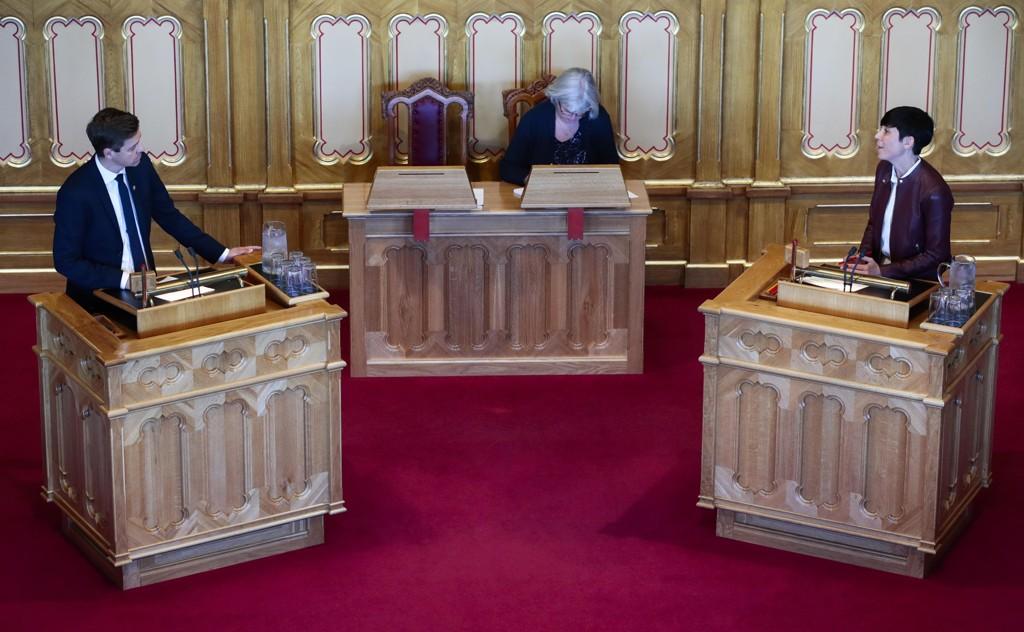 Utenriksminister Ine Marie Eriksen Søreide og leder i Kristelig Folkeparti (KrF) Knut Arild Hareide under Spørretimen på Stortinget onsdag.
