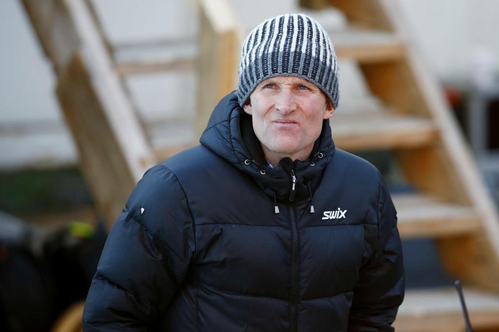 Vegard Ulvang, leder i FIS' langrennskomité, og resten av FIS valgte å beholde både klassisk sprint og skiathlon på programmet i seniormesterskap. Foto: Håkon Mosvold Larsen / NTB scanpix