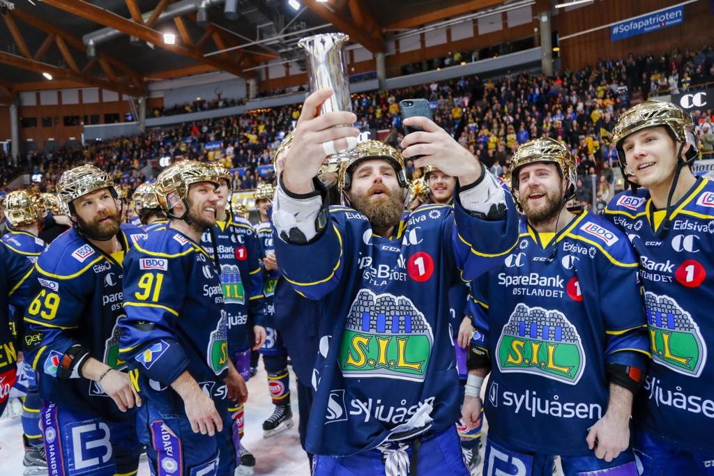 Storhamar, her etter NM-triumfen i april, får motstandere fra de store ishockeynasjonene Sverige, Finland og Tsjekkia i høstens gruppespill i mesterligaen. Foto: Heiko Junge / NTB scanpix