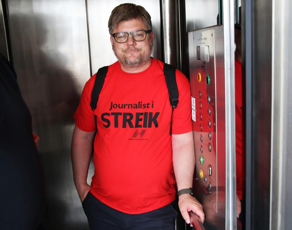 Leder for Norsk Journalistlag i NRK, Richard Aune, anklager arbeidsgiveren for å bedrive streikebryteri. Foto: Erik Johansen / NTB scanpix.