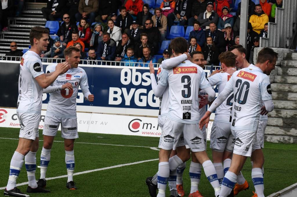 Ranheim feirer den første av Erik Tønnes to scoringer i borteseieren mot Kristiansund onsdag. Foto: Anders Tøsse / NTB scanpix