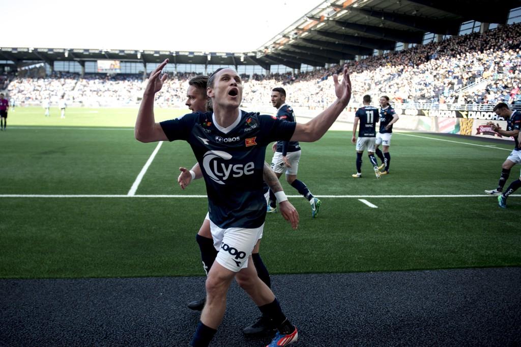 Tommy Høiland jubler for ett av sine tre mål i Vikings 5-2-seier over Sandnes Ulf. Foto: Carina Johansen / NTB scanpix