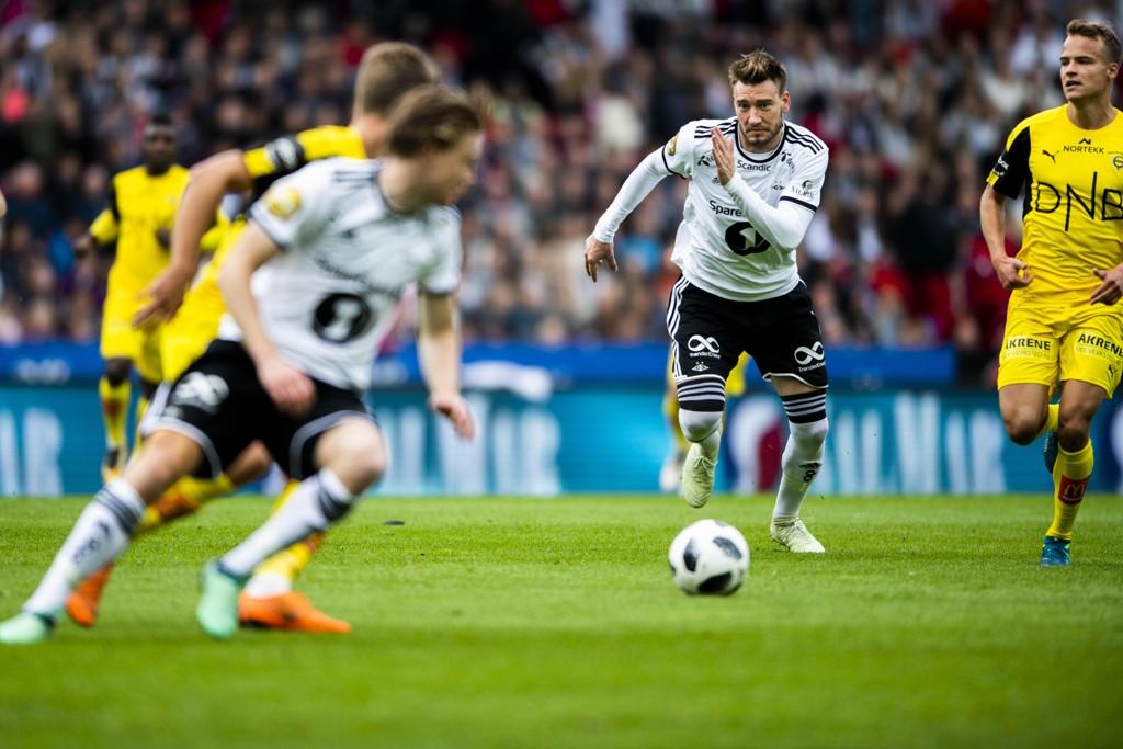 Nicklas Bendtner i aksjon for Rosenborg mot Lillestrøm onsdag. Foto: Ole Martin Wold / NTB scanpix