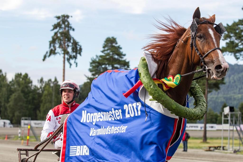 Lionel og Gøran Antonsen starter i Elitloppet. Foto: Eirik Stenhaug / Equus / NTB scanpix