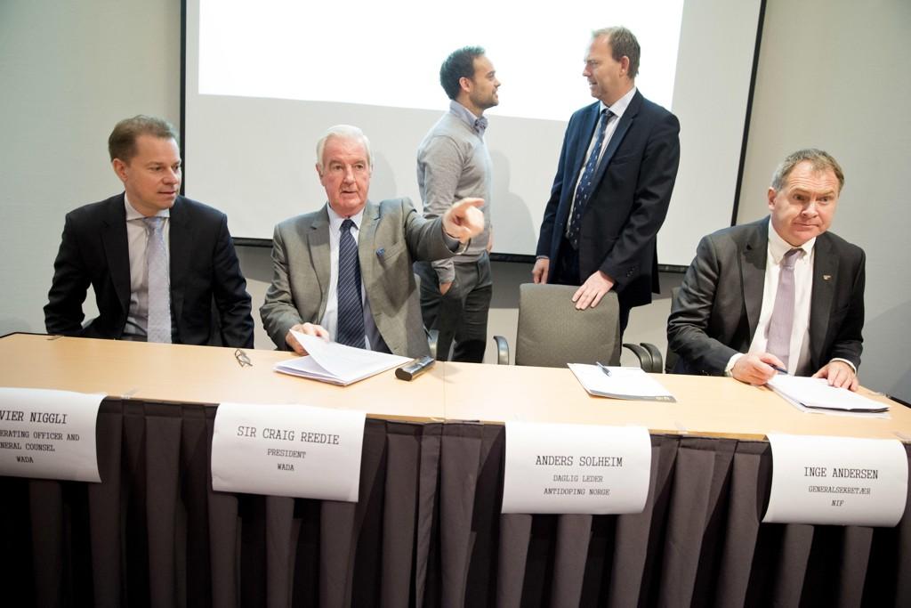 WADA-president Sir Craig Reedie (nr. 2 f.v.) sammen med generalsekretær Olivier Niggli. Foto: Håkon Mosvold Larsen / NTB scanpix