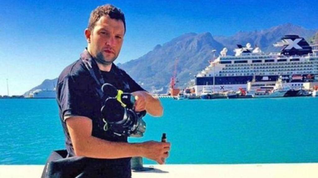 DØDE AV E-SIGARETT: TV-produsenten Tallmadge D'Elia døde da e-sigaretten eksploderte og to deler av e-sigaretten ble skutt inn i skallen hans.