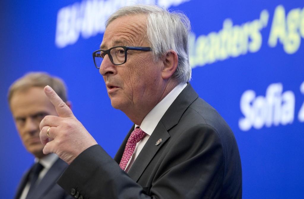 EU-kommisjonens president Jean-Claude Juncker under en pressekonferanse i Sofia torsdag. Foto: AP / NTB scanpix
