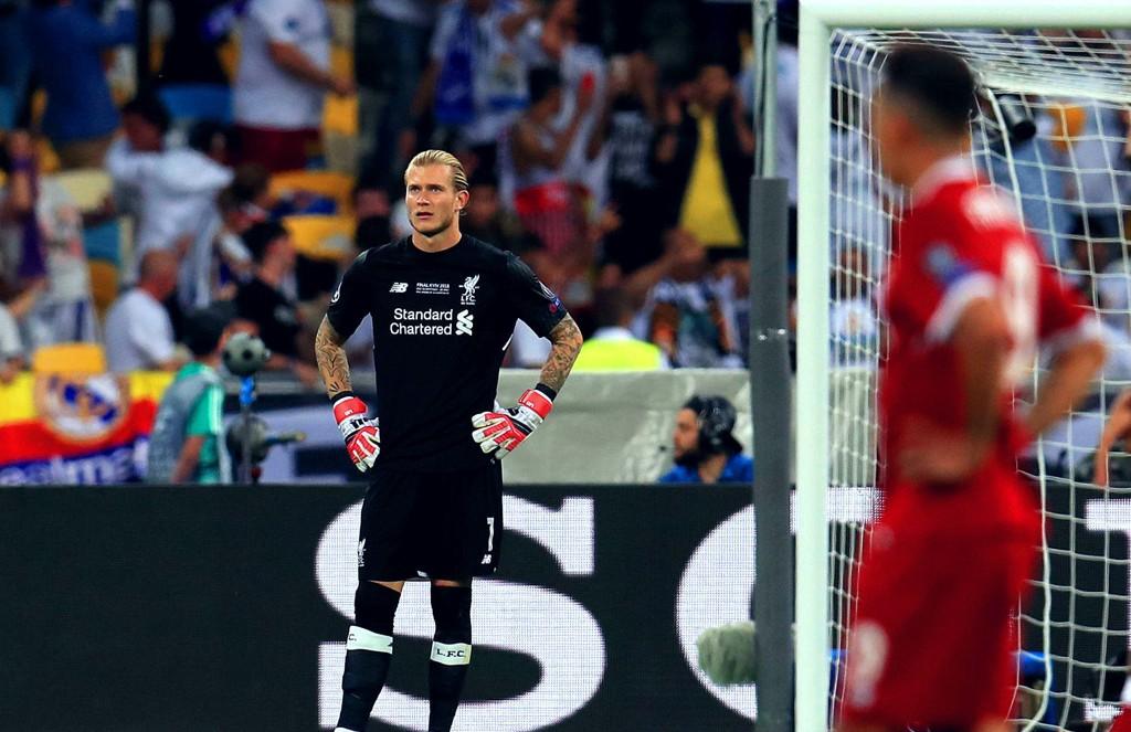 BLYTUNGT: Liverpools Loris Karius (til venstre) hadde nok keeperkarrierens tyngste kveld da klubben hans tapte Cahmpions League-finalen i Kiev mot Real Madrid.