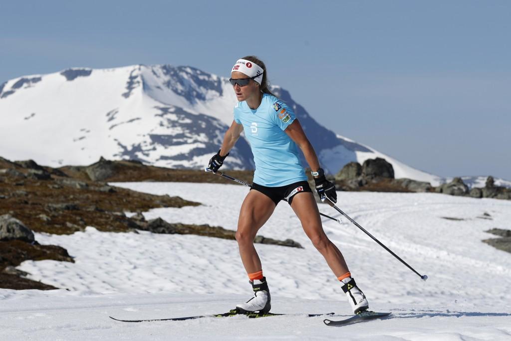 Therese Johaug trente i strålende vær på Sognefjellet onsdag. Foto: Cornelius Poppe / NTB scanpix
