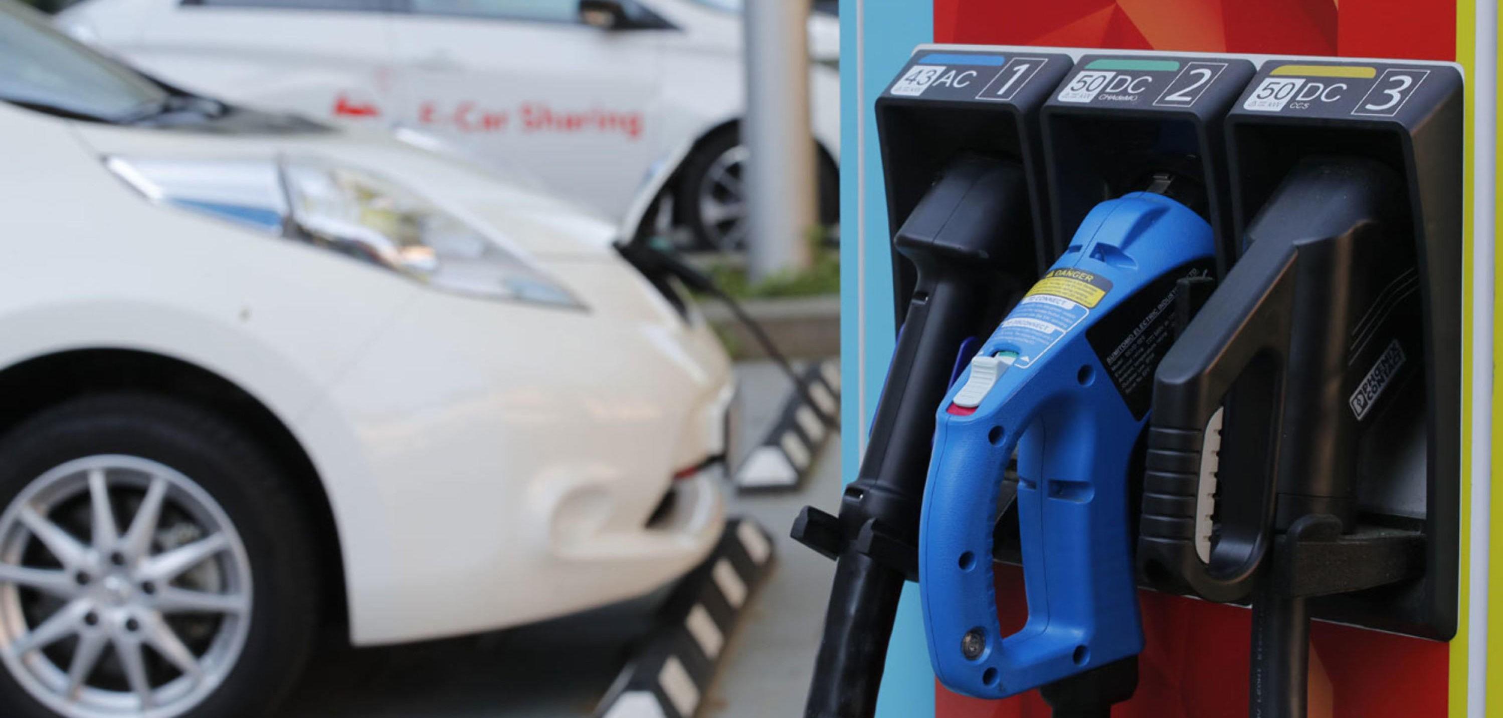 KUN EL FRA 2025? Norske politikere vil at vi bare skal kjøpe nullutslippsbiler fra 2025. Det betyr at både diesel- og bensinbiler må fases ut innen da.