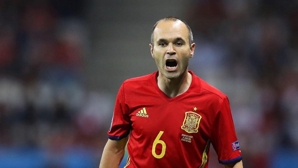 NASJONALSKATT: Andrés Iniesta er mannen som samler Spania i én sommer.