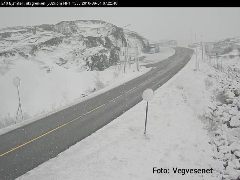 SNØ I JUNI: - Det er dessverre ikke siste gangen det kommer til å snø. Fram til temperaturen begynner å stige, vil det nok snø på natten, sier meteorologen.Her fra Bjørnfjell i Narvik.