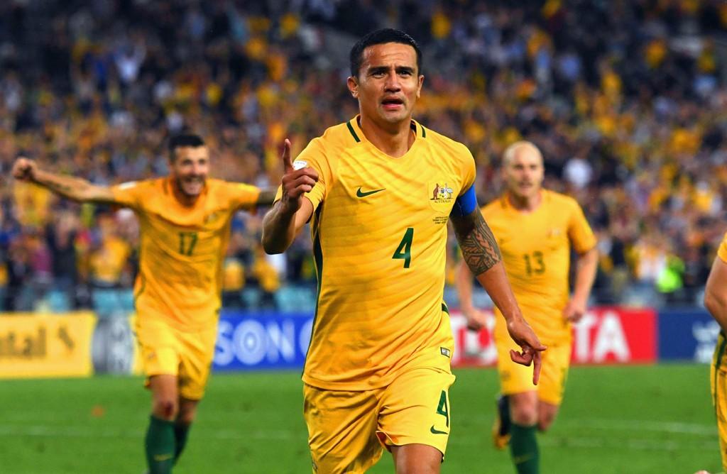 RINGREV FORAN MÅL: Takket være Tim Cahills scoringer mot Syriakarret Australia seg til VM i Russland.