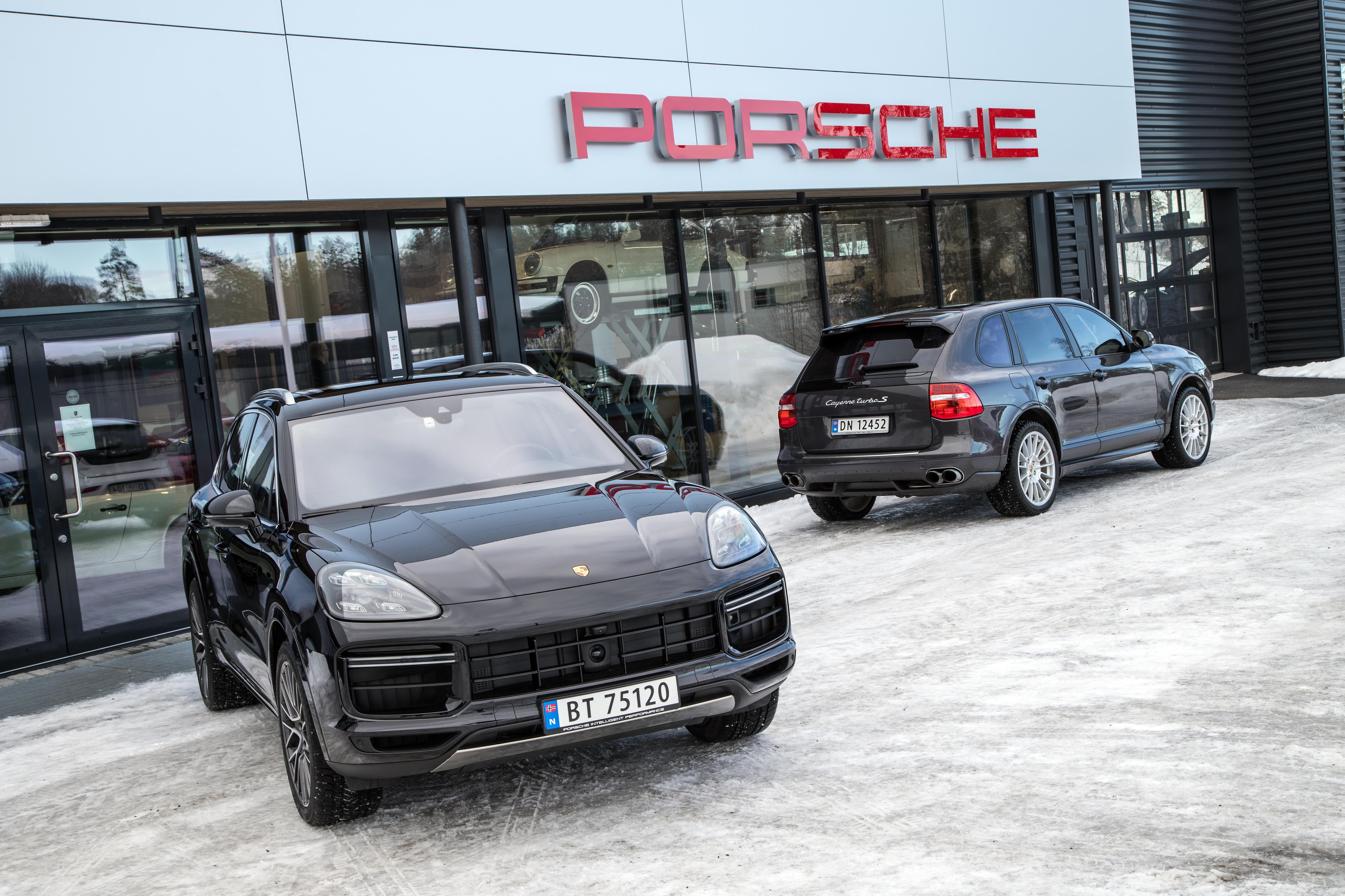 NY OG GAMMEL: 3. generasjon fra 2018 og 1. generasjon fra 2009. Det tok ikke lang tid før Cayenne var en naturlig del av Porsches modellprogram.