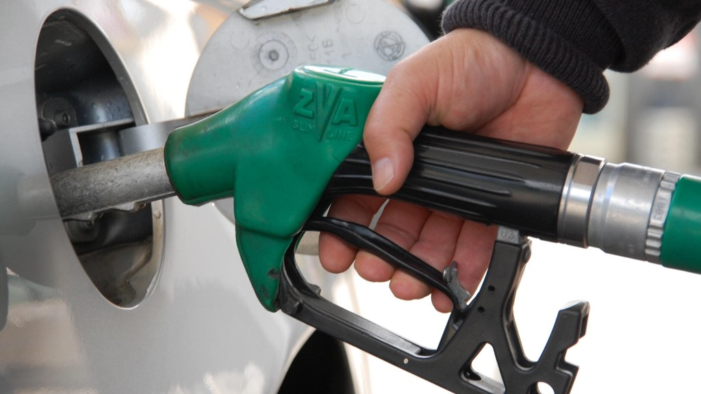 Prisene på drivstoff og eneri holder prisveksten i Norge i gang.
