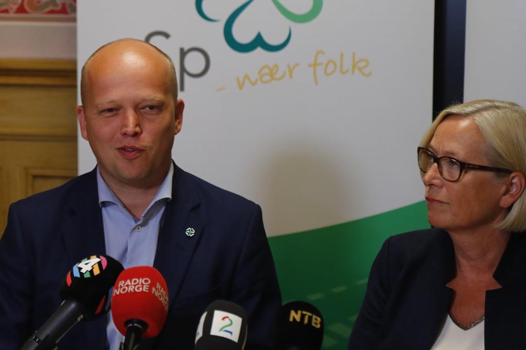 Partileder Trygve Slagsvold Vedum og parlamentarisk leder Marit Arnstad har som mål å få langt flere ordførere enn de 98 de har i dag. Spesielt er partiet opptatt av å bygge laget i nord. Foto: Heiko Junge / NTB scanpix