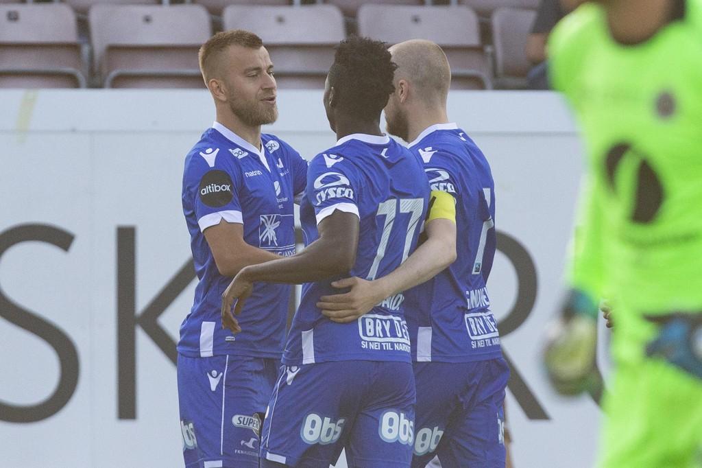 Frederik Gytkjær og lagkameratene jubler for scoring og cupavansement onsdag. Foto: Fredrik Hagen / NTB scanpix