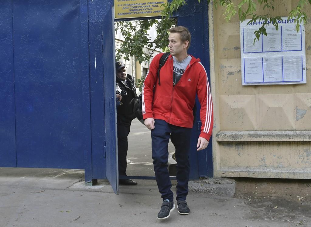 Aleksej Navalnyj kunne torsdag forlate fengselet i Moskva hvor han har sonet dommen. Foto: AP/NTB scanpix