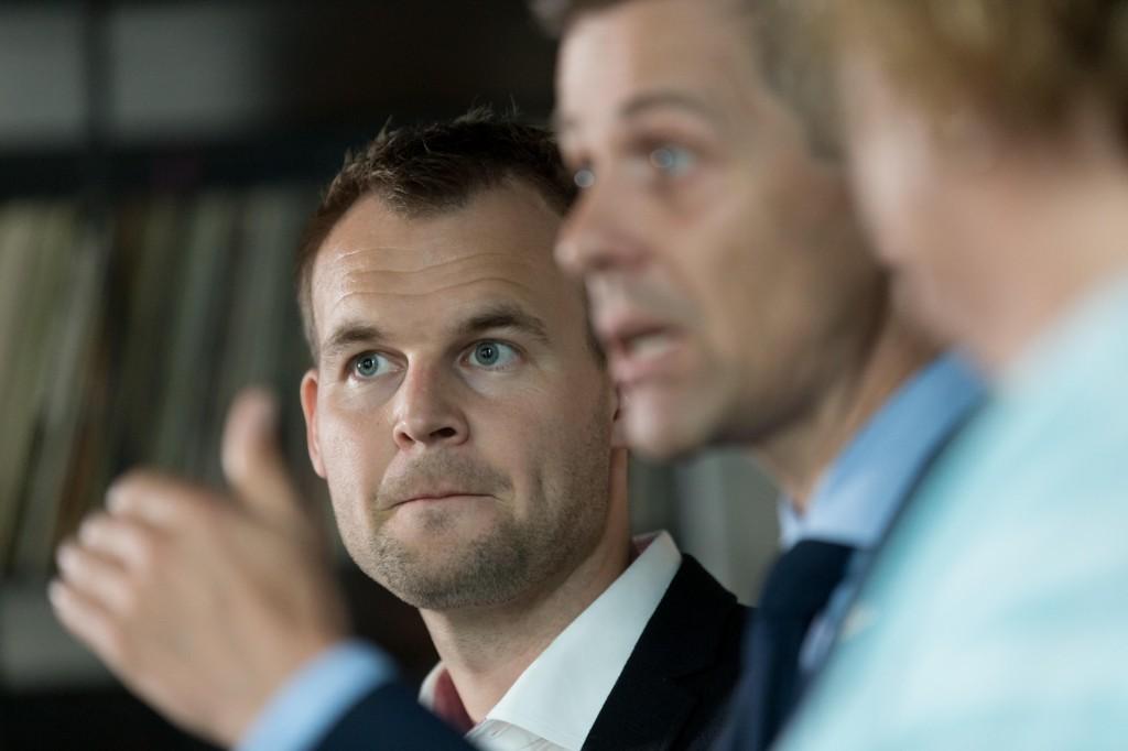 Pressekonferanse med KrF. Partileder Knut Arild Hareide omkranset av nestlederne Olaug V. Bollestad og Kjell Ingolf Ropstad.