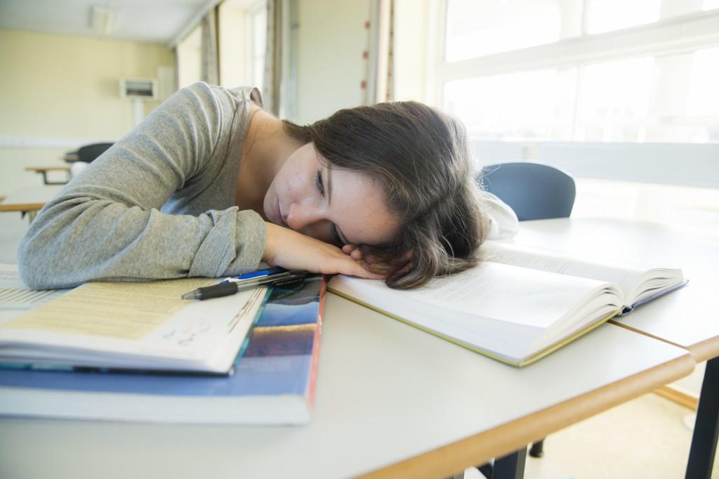 FRAVÆR: - Hvis en elev har høyt fravær, ikke straff dem, men prøv heller å finne ut av hva problemet er, oppfordrer Marie (15).