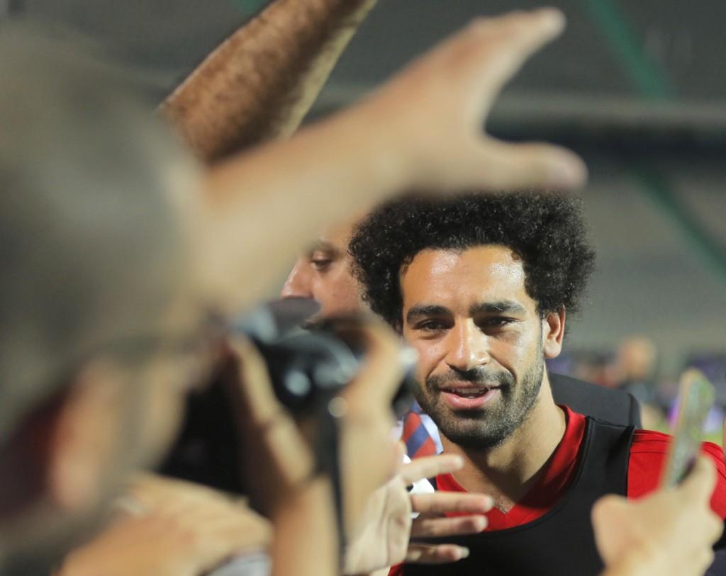 Liverpools gullgutt Mohamed Salah er så godt som klar for Egypts første VM-kamp siden 1990. Foto: AP Photo/Amr Nabil/NTB scanpix.