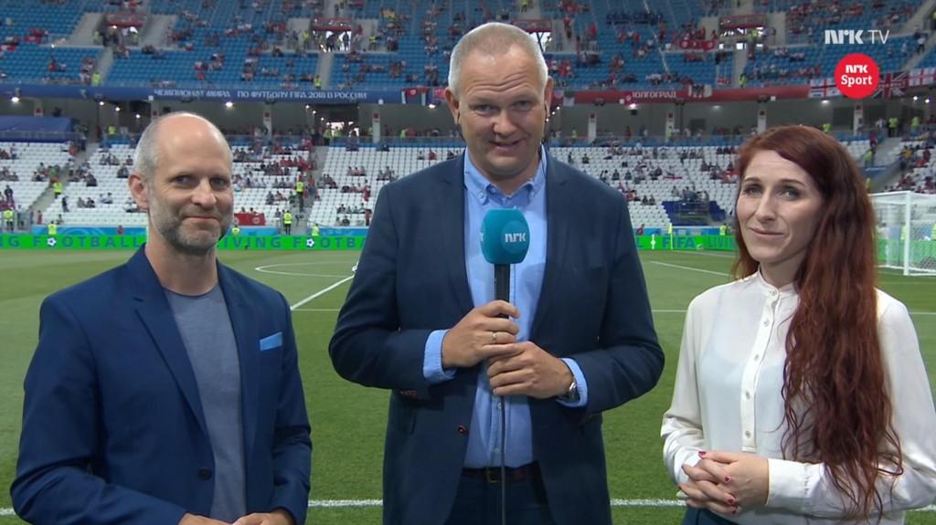 EKSPERTER: Kan virkelig Lise Klaveness (th) ha greie på fotball? Her sammen med Christian Nilssen og Tommy Barstein før mandagens kamp mellom Tunisia og England.
