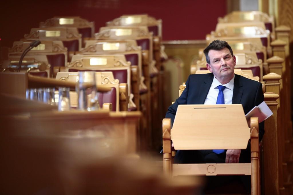 Den stortingsoppnevnte organisasjonen Norges nasjonale institusjon for menneskerettigheter krever at justisminister Tor Mikkel Wara stanser det organisasjonen mener er menneskerettighetsbrudd i norske fengsler. Foto: Lise Åserud / NTB scanpix