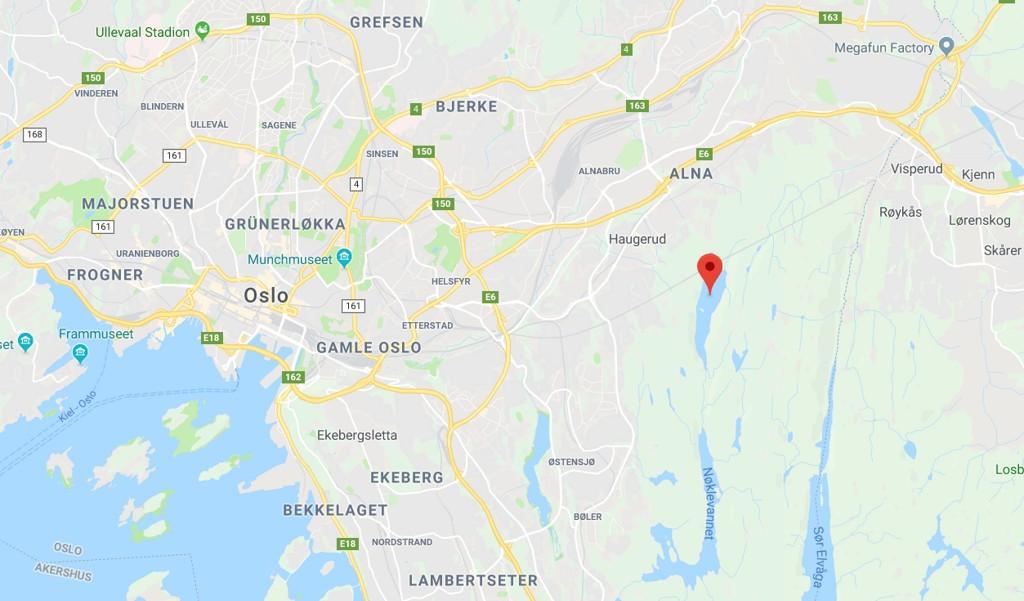 LUTVANN: En 14 år gammel gutt ble funnet liggende i Lutvann i Oslo rundt klokken 19.32 onsdag kveld.