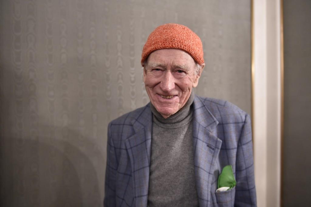 LETT Å UNDERVURDERE: Det er lett å la seg sjarmere av 95-årige Olav Thon. I virkeligheten er han en tøff forretningsmann.