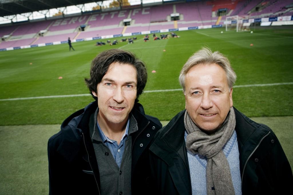 Roar Stokke, her sammen med sin tidligere Viasat-makker Vidar Davidsen, kommenterer Rosenborgs bortemøte mot Valur. Foto: Jon-Michael Josefsen / Scanpix
